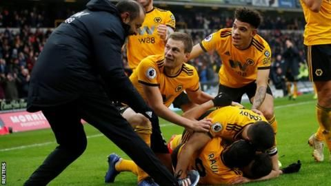 Wolves 4-3 Leicester City: Diogo Jota hat-trick as hosts snatch win in thrillerの代表サムネイル