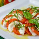 Вкусни салати кои имаат по 3 состојки