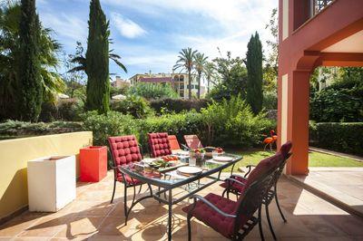 Diese wunderschone renovierte Erdgeschosswohnung befindet sich in einer der beliebtesten Wohnanlagen im Sudwesten Mallorcas  in Sa Vinya