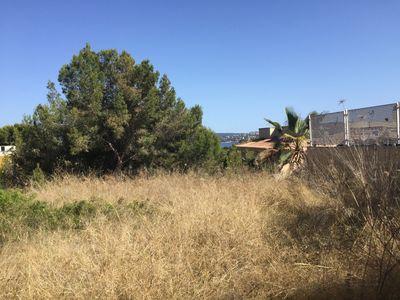 Hier handelt es sich um ein schones Grundstuck in Paguera  Das Grundstuck verfugt uber ca  1038 qm Grundstucksflache und ist sudorientiert