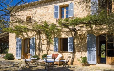 Das reizvolle und sehr charmante Landhaus stammt ursprunglich aus dem Jahre 1915