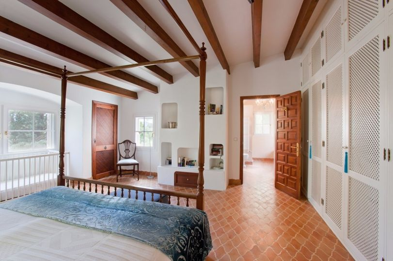 Pollensa Country House with Guest House and Pool   This beautiful property is a very rare catch, as most properties in the neighboorhood of La Font (walking