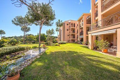 Elegant top quality garden apartment in sought-after development in Nova Santa Ponsa