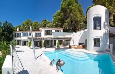 This estate has been completely refurbished in 2010 offering beautiful sea views to the bay of Cala Llamp and is located in a quiet private dead end street