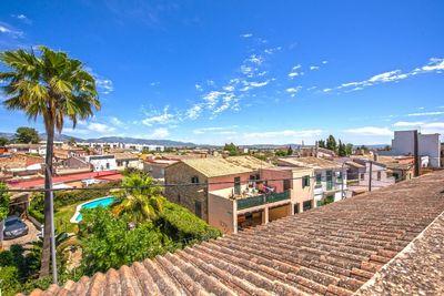 Bei diesem Objekt handelt es sich um ein Reihenhaus im Stadtteil von La Vileta  Palma de Mallorca     Die ca