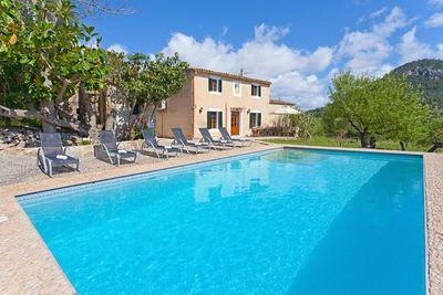 Traumhaus in Pollensa mit Pool  Grillplatz und unglaublich schoner Aussicht  Das Anwesen verfugt uber eine Lizenz zur Ferienvermeitung
