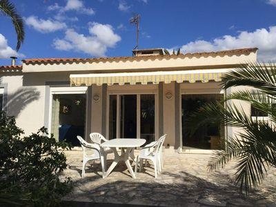 Dieser komplett renovierte  ebenerdige Bungalow befindet sich in dem beschaulichen ortchen Cala Murada direkt am Meer  im Osten von Mallorca