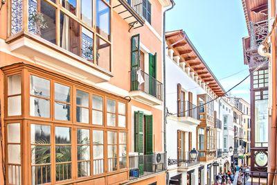 Bei diesem Objekt handelt es sich um eine geraumige  frisch renovierte Wohnung nahe Plaza Mayor  in der Altstadt von Palma de Mallorca