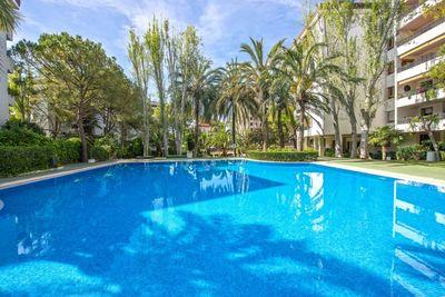 Groses Apartment in gepflegter Anlage mit Gemeinschaftspool in Son Armadams  Palma de Mallorca     Die ca