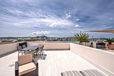 Dieses hochwertig voll renovierte Apartment ist ideal fur denjenigen gelegen  der schnell zu Fuss einen Strand erreichen mochte