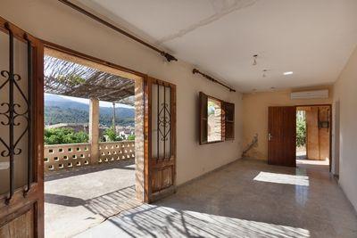 Landhaus bei Pollensa Mallorca mit Blick uber Pollensa und dem Tramuntana Gebirge      PREIS REDUZIERT VON 350 000€ AUF 286