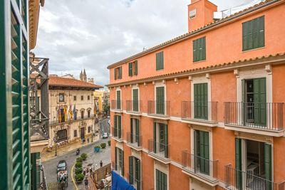 Diese Wohnung liegt ganz in der Nahe von Plasa Cort  im Herzen der Altstadt von Palma de Mallorca