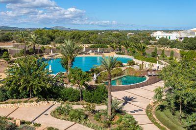 Dieses elegante Haus liegt im schonen Ort Portocolom  Dieser gehort zu den ganz besonders schonen Fischerorten im Sudosten Mallorcas