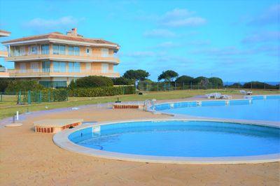 Das sonnige Gartenapartment befindet sich in einer gepflegten Anlage mit pool  Einheiten in der Nahe der Cala Marcal