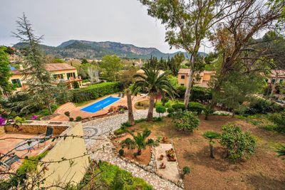 Reizendes Landhaus mit wunderschonem Blick am Stadtrand von Puigpunyent    Die ca