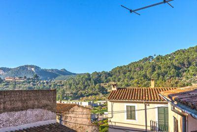 Bei diesem Objekt handelt es sich um ein Stadthaus in Puigpunyent  Palma de Mallorca