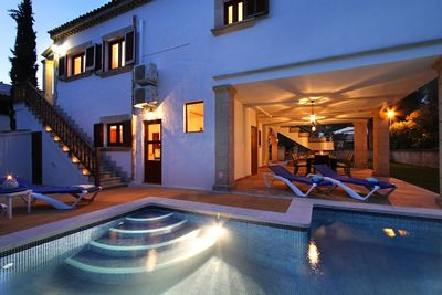 Villa in der Wohngegend von Bonaire  mit Schwimmbad und mehreren Terrassen zu verkaufen