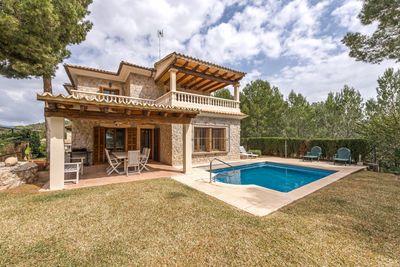 Diese wunderschone Villa in Paguera in mediterranem Stil konnte die Erfullung Ihrer Mallorquinischen Traume sein