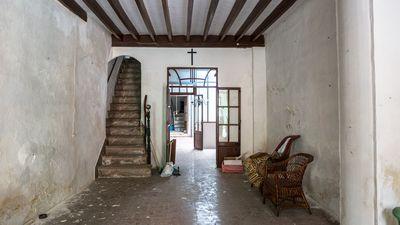 Gute Gelegenheit um ein Stadthaus im Zentrum von Sa Pobla mit Garage zu renovieren     PREIS REDUZIERT VON 148 500€ AUF 138