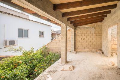 Haus mit Garten und Garage in Sa Pobla zu verkaufen     Objekt in einer ruhigen Gegend von Sa Pobla  nur funf Minuten zu Fus vom Stadtzentrum entfernt