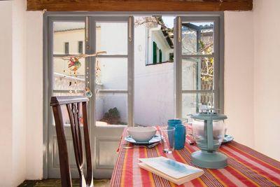 Haus zum Verkauf im Zentrum von Puerto Pollensa  Mallorca  in zweiter Meereslinie   Zum Verkauf steht das komplette Gebaude  welches derzeit in zwei