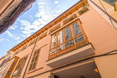 Diese moderne  geraumige  praktische  ruhige  zentral gelegene Wohnung befindet sich ganz in der Nahe von Plaza Mayor in der Altstadt von Palma de Mallorca