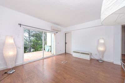 Bei diesem Objekt handelt es sich um eine Wohnung mit schoner Terrasse in Bonanova bei Palma de Mallorca      Die ca