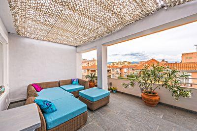 Bei diesem Objekt handelt es sich um ein sehr helles lichtdurchflutetes Penthouse mit privater Dachterrasse in zentraler  ruhiger Lage in Palma de Mallorca
