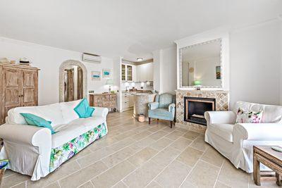 Das nah am Strand gelegene Meerblick Apartment zum Kauf in Camp de Mar bietet 2 Schlafzimmer mit 2 Badezimmern en suite