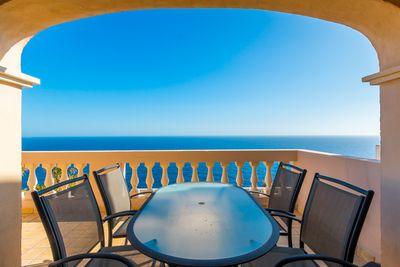 Das Meerblick Apartment befindet sich in 1  Meereslinie in exponierter Lage auf der Halbinsel  La Mola  in Port Andratx
