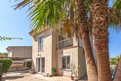 Zentral und zeitgleich ruhig im Herzen Santa Ponsas gelegen befindet sich dieses gemutliche Einfamilienhaus