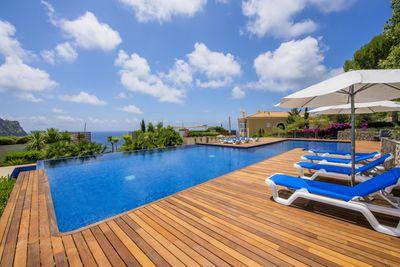 Dieses moderne und hochwertig ausgestattete Apartment befindet sich in einer luxuriosen Wohnanlage in Port Andratx