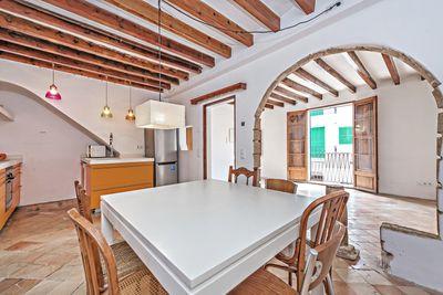 Diese charmante Wohnung liegt in Santa Catalina  einem der begehrtesten Viertel von Palma de Mallorca