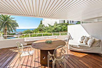Dies ist eine ausgezeichnete Gelegenheit  um eine Meerblick Wohnung in der Anlage Las Terrazas  Portals Nous  in einer der begehrtesten Wohnlagen Mallorcas zu