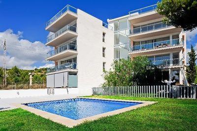 Eine Neubauanlage  bestehend aus 8 Wohnungen  in der begehrten Gegend zwischen dem  exklusiven Yachthafen Puerto Portals und Portals Nous  Jede Wohnung ist ca