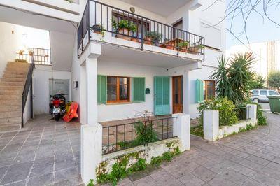 Erdgeschosswohnung mit Garten in Puerto Pollensa zum Verkauf  nur 200 m vom Meer entfernt