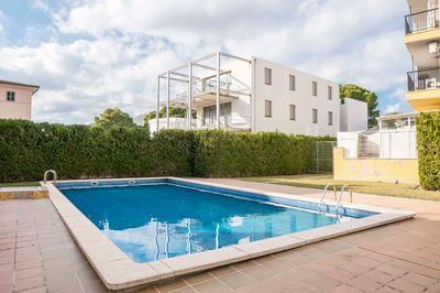 Wohnung mit Gemeinschaftspool und Garage in Puerto Pollensa zum Verkauf     PREIS REDUZIERT VON 340 000€ AUF 286