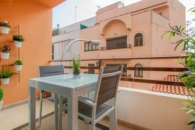 Bei diesem Objekt handelt es sich um eine helle  top renovierte und grose Wohnung in Santa Catalina  Palma de Mallorca