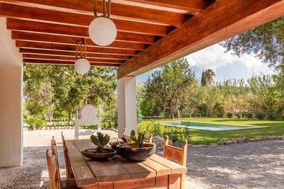 Dieses traditionelle  mallorquinische Landhaus befindet sich in unmittelbarer Nahe des Dorfes Pollensa