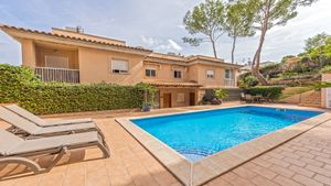 Semi-detached house in Cas Catala.   This property is distributed onto 2 floors
