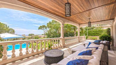 Diese wunderschone  elegante Villa im Alt Bendinat sucht an Eleganz und Qualitat seines Gleichen