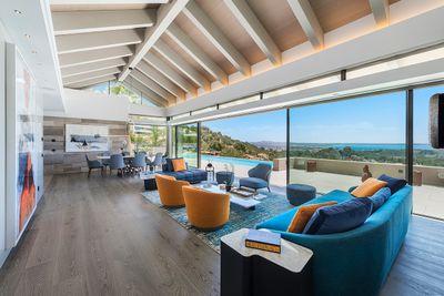 Bei einer Immobilie bedeutet wahrer Luxus  Bestlage  herausragende Architektur  1A-Qualitat  All dies bietet diese Neubauvilla in Son Vida  Palma de Mallorca
