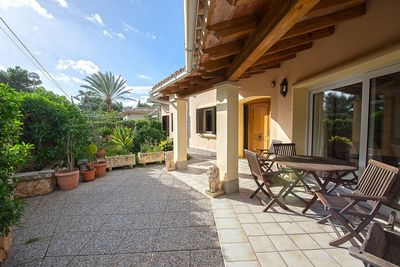 Dieser Bungalow befindet sich in der beliebten Wohngegend El Toro  in der Nahe von Port Adriano und in der Nahe von den Golfplatzen von Santa Ponsa und
