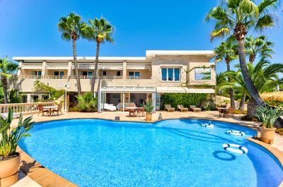 Schone Villa mit herrlichem Meerblick und im Zentrum von Paguera