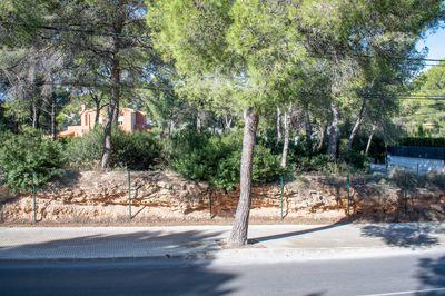 Grundstuck in eine zentrale Lage in Santa Ponsa mit einer Lizenz zum Bau eines Hauses