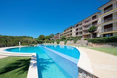 Dieses grosszugige Luxusapartment liegt in der sicheren und gepflegten Wohnanlage ´Punta del Sol´  in der exklusiven Wohngegend Sol de Mallorca