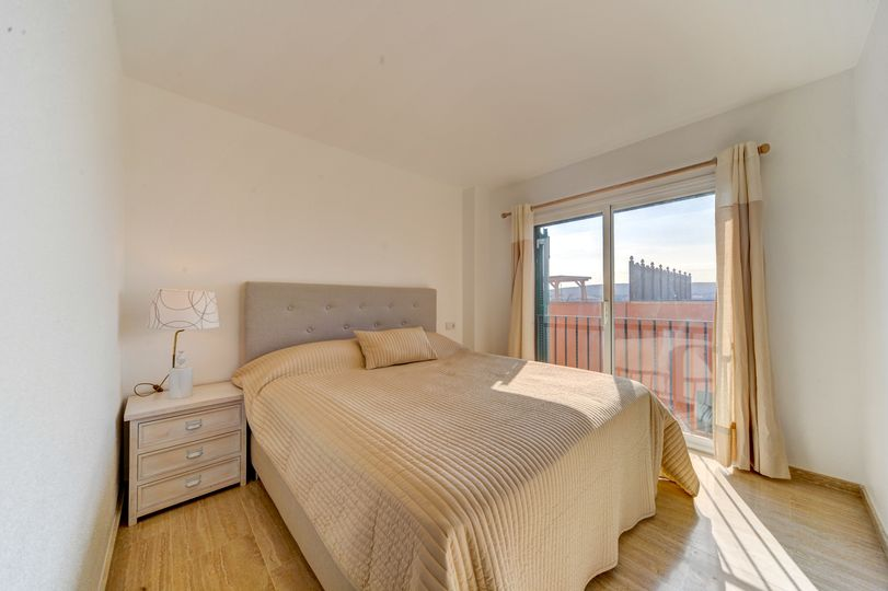 This apartment with a large roof terrace offers beautiful sea views and  views to the marina of Port Adriano and is located in the first sea line at Nova Santa