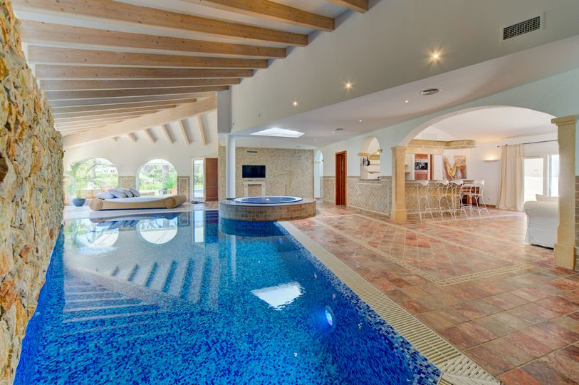 The villa has been completely renovated and is located in a sought after neighborhood in Nova Santa Ponca