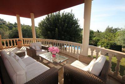 Diese Villa befindet sich  in der Nahe von Bunyola mit eigener Zufahrt und Parkplatz