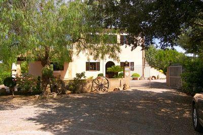 Das bezaubernde Landhaus befindet sich in der Nahe von Felanitx und Cas Concos